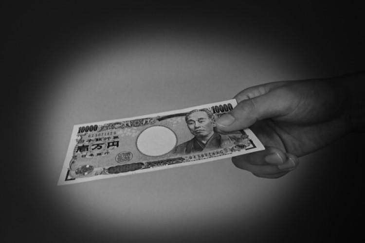 消費者金融業者や個人、お金を借りるのに何が違うのか?